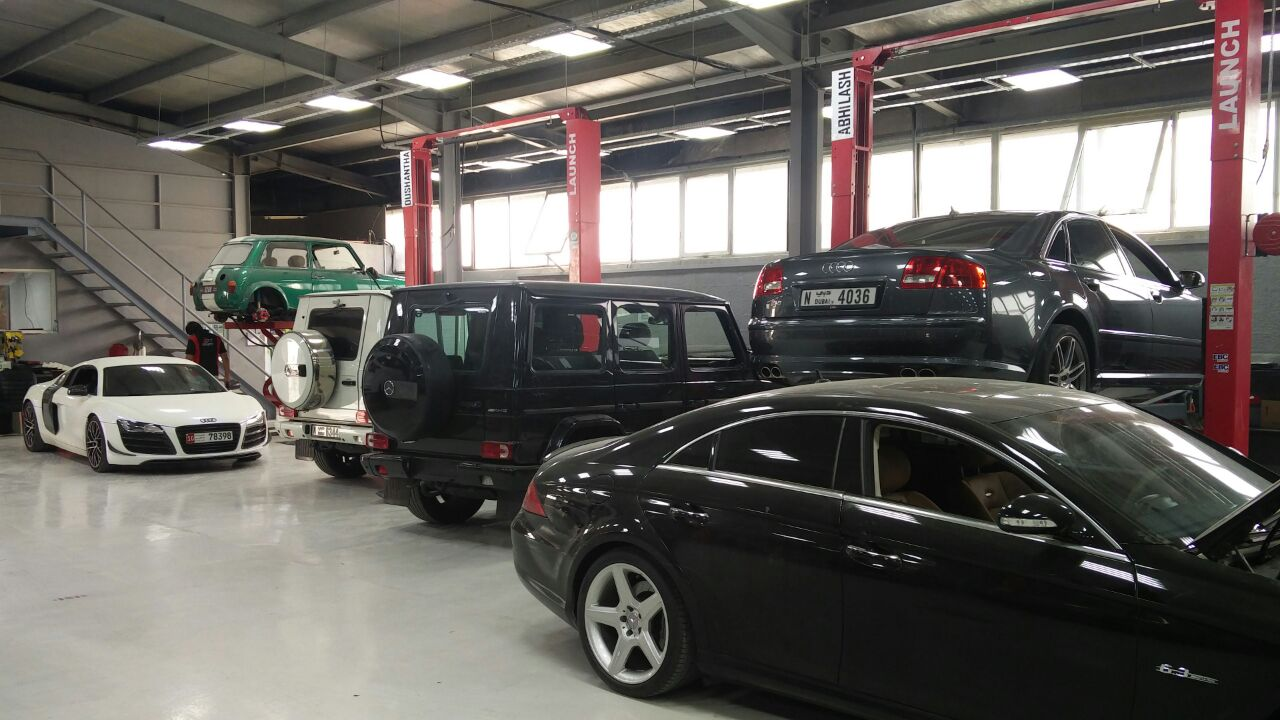 12 Services FaceLift Vehicles