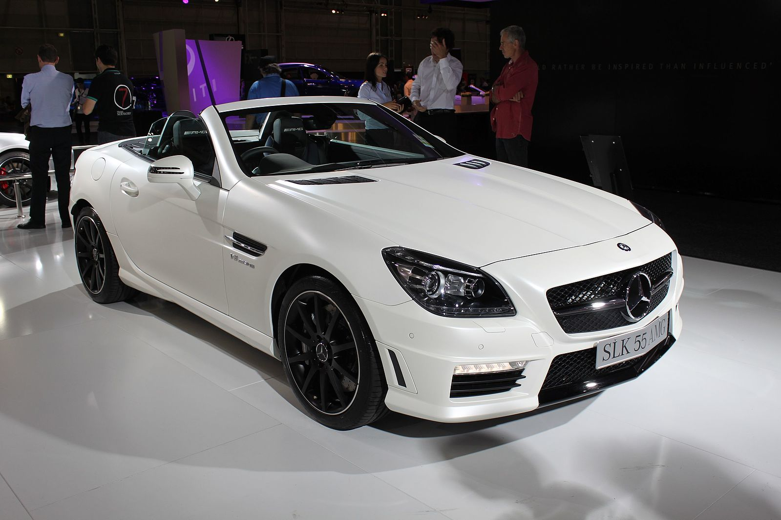 2012_Mercedes-Benz_SLK_55_AMG_(R_172)_roadster_(15923761359)