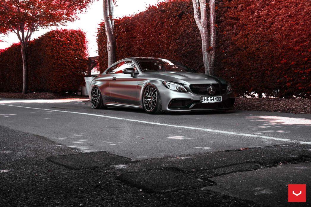 Mercedes-C63s-Hybrid-Forged-HF-2-©-Vossen-Wheels-2018-1001-1047x698